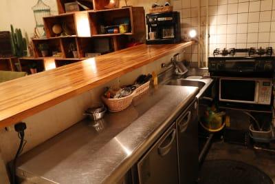広々としたキッチンスペースです。 - シェアキッチンL1PCafe シェアキッチンの設備の写真