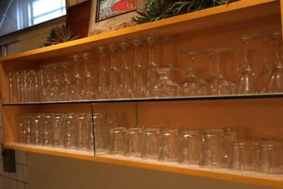 各種お皿&グラス&調理器具が揃っています。 - シェアキッチンL1PCafe シェアキッチンの設備の写真