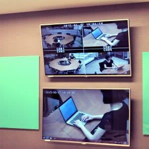 ❸会議に集中できるお部屋(撮影風景をモニタリング可能) - TGIマーケティング グループインタビュールーム赤坂Aの室内の写真