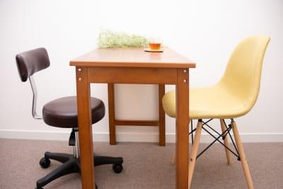 椅子・テーブル - レンタルサロン「パレオ」 レンタルサロン恵比寿の設備の写真