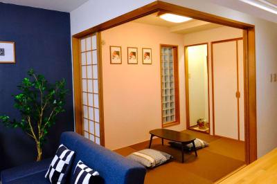 奥には和室があります。ヨガ等の動画撮影にも最適です - レスト52 101 1Fサロンスペースの室内の写真