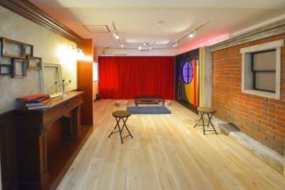 コスプレ、撮影、ときどき雑談。 多目的スペースの室内の写真
