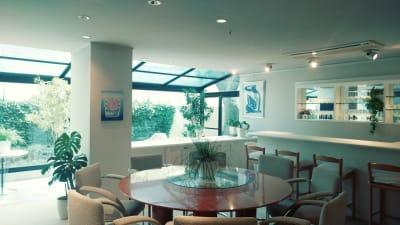 studio アダマス 多目的スペースの室内の写真