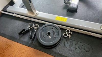 エクササイズバー7kg プレート5kg - レンタルジム レ・ムーブ 福岡最安級レンタルジムの室内の写真