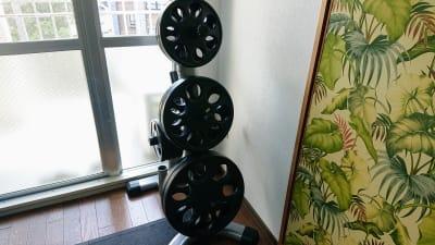 プレート1.25kg~20kg 合計125kg - レンタルジム レ・ムーブ 福岡最安級レンタルジムの室内の写真