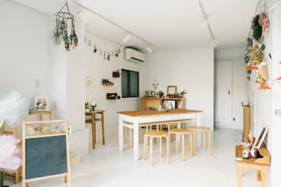 flowors 〜花のある暮らし マルチスペースの室内の写真