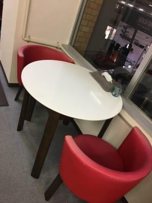 カウンセリング用のテーブルとイス - 西荻窪パーソナルトレーニングジム 並木コンディショニングセンターの室内の写真