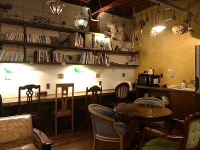1階ラウンジスペース - 泊まれる純喫茶 ヒトヤ堂 期間限定の撮影スタジオの室内の写真