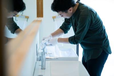 清潔さについては多くの高い評価をいただいております - みつわ屋 共用スペースの室内の写真