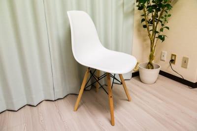 スウェーデン会議室の室内の写真