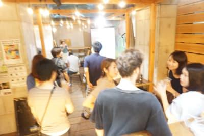 タイニーズ横浜日ノ出町 大人数貸切BBQテラスの室内の写真