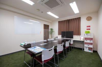 ※テーブルの移動は出来ません - Kyoto de Meeting On Air /オンエアーの室内の写真