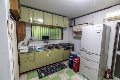 キッチンもご利用頂けます - 逗子古民家 湘南Sea-Sonsの室内の写真