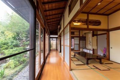 ノスタルジックな縁側です - 逗子古民家 湘南Sea-Sonsの室内の写真