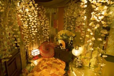 桜の間 - 変身写真館 彩華 桜・紅葉・藤の間のどれか一室の室内の写真