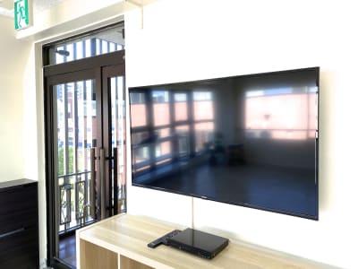 50インチモニター・YouTube視聴も可 - スタジオプシュケ南林間店 レンタルスタジオの設備の写真