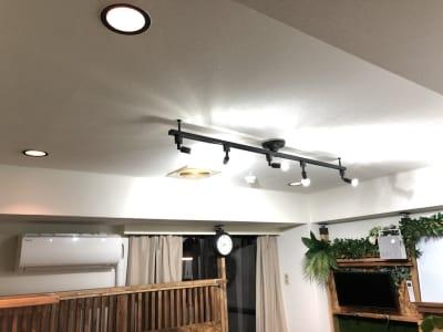 明るめの照明を設置しています - ef(エフ)ガーデン神南Ⅰ 貸し会議室★エフガーデン神南の室内の写真