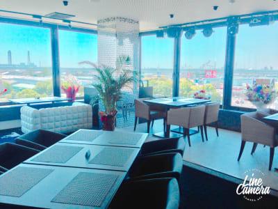 180度ガラス張り - Sky Birthday パーティールームの室内の写真