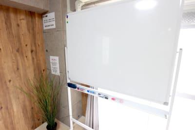エニタイムスペース新大阪 格安貸し会議室、多目的スペースの設備の写真