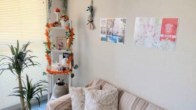 ゆったりと落ち着くスペースに季節に合わせたデコレーション。癒されます!  - 高田馬場スペース アンダルシア会議室の室内の写真