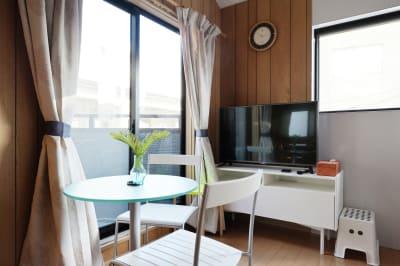 TV,DVD,Wifi - 天下茶屋レジデンスイースト 貸切1戸建の設備の写真