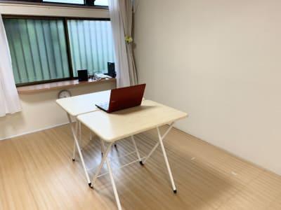 テレワーク、オンライン会議 - レンタルスペース Mermaid (ルームC)15畳フローリングの室内の写真