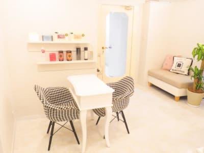 カウンセリングスペース - レンタルサロンPF TOKYO サロンスペースの室内の写真