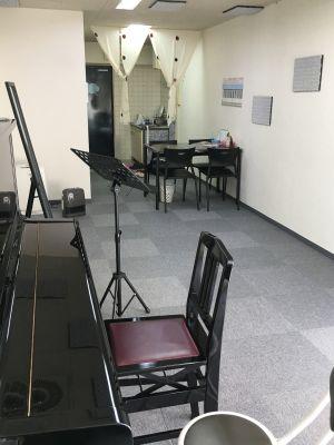 ピアノスタジオK 音楽スタジオ 多目的スペースの室内の写真