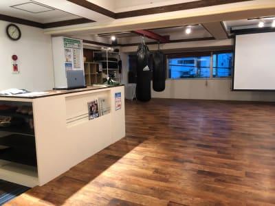 第3布施ビル2F LARA TOKYOの室内の写真