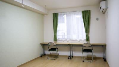 個室スペース(約15㎡) - 流山国際研修センター テレワークスペース2の室内の写真