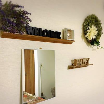 美容はもちろんワークショップなどにも幅広くご利用可能です。 - シェアサロンファースト(北欧) レンタルサロン(北欧風)の室内の写真