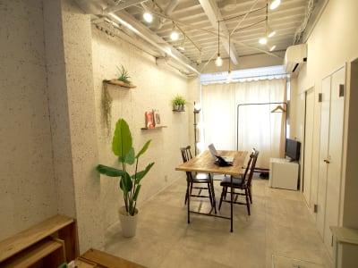 カーテンを閉めてプライバシーを確保する事も可能です。 - 【GHON】便利な立地の戸建貸切 展示会/撮影/パーティー#101の室内の写真