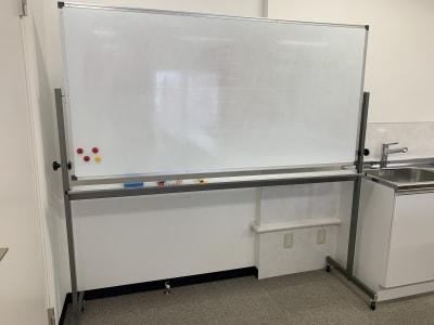 ホワイトボード(無料オプション) - 貸し会議室の設備の写真