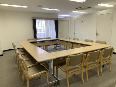 貸し会議室の室内の写真