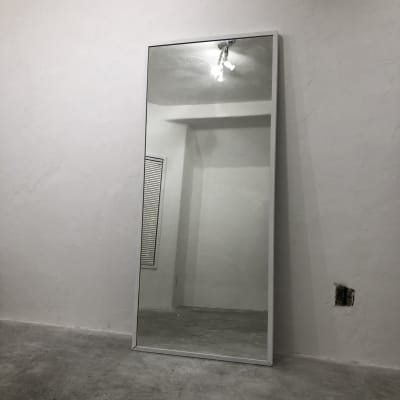 全身鏡① - パウダールーム ギャラリー POWDERROOMの設備の写真