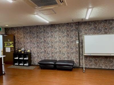 スタジオ全体(ミラーから) - Studio KEOLA レンタルスタジオの室内の写真
