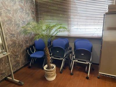 椅子8脚 - Studio KEOLA レンタルスタジオの設備の写真