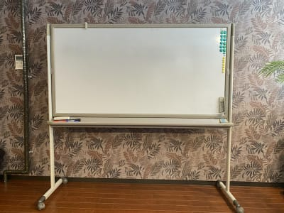 ホワイトボード 180cmx90cm - Studio KEOLA レンタルスタジオの設備の写真