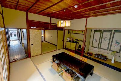 8畳茶室と6畳、4.5畳は続きの間です。 - Udatsuya (うだつや) うだつや本館の室内の写真