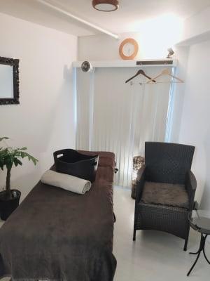 白を基調とした、プライベート空間☪︎ *. - hawreaa レンタルサロン、レンタルスペースの室内の写真