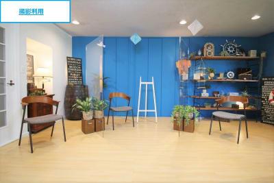【撮影レイアウト例】アクリル板を使用したトークシーン - 池尻セレクトハウス テレビ・CM・動画配信撮影などの室内の写真