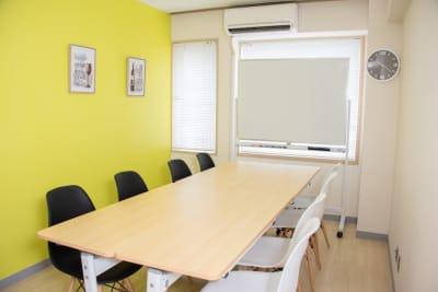 エキ前会議室 ラシックの室内の写真