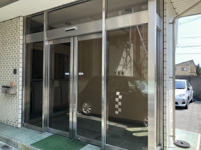 まちなか和風処・花水木 2階和室8畳の入口の写真