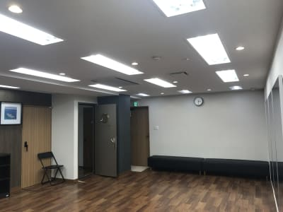 Y-STUDIO ダンス&ヨガスタジオの室内の写真