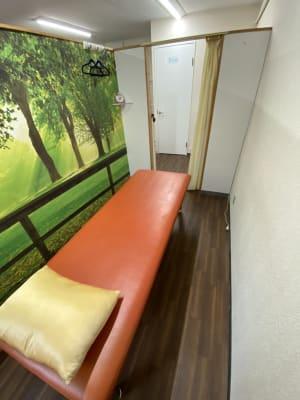 レンタル部分(有効ベッド) - 東新宿レンタルスペース ①有効ベッド・整体アロマ鍼灸の室内の写真