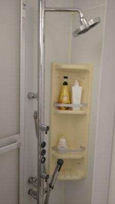 シャワー室完備 - 完全個室サロン「ヨウコウ」 落ち着きのあるサロンスペースの設備の写真
