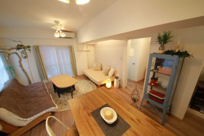 127_feel新宿 キッチンスペースの室内の写真