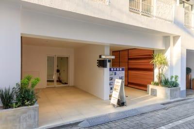 BBB 屋上  屋上貸しスペースの入口の写真