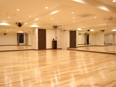 120㎡の木製フロアです - TDSレンタルスタジオ池袋 メインスタジオの室内の写真