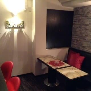 One More。。。 カラオケバーの室内の写真